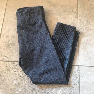 Lorna Jane Gray Capri Legging XS